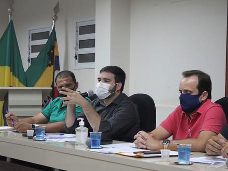 Câmara aprova compra de luvas e máscaras para os profissionais da saúde pública