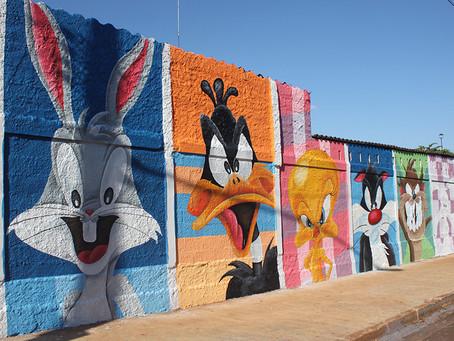 Muros da cidade de Jardinópolis pintados por artistas locais