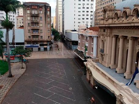 Ribeirão Preto fecha supermercados, comércio e serviços