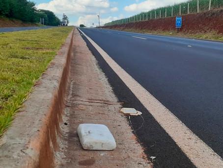 Pacote com cocaína é encontrado pela PM na rod. Arthur Costacurta em Jardinópolis