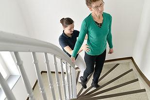 Physiotherapie- Behandlungen bei bei Ihnen zuhause oder im Pflegeheim, wenn Sie nicht zu uns in die Praxis kommen können. Bei Rückenschmerzen und nach Operationen.