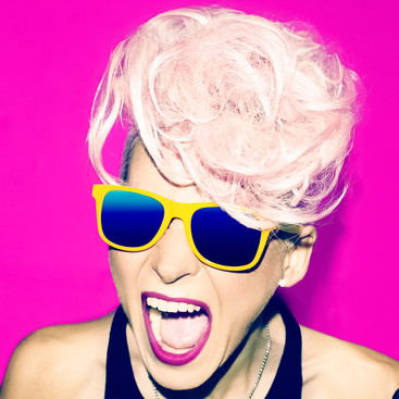 screaming-girl-disco-punk-fashion-style-
