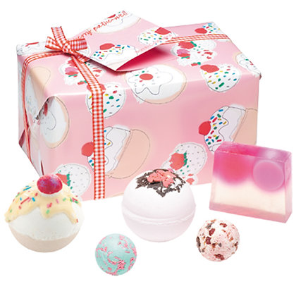 BOMB COSMETICS CHERRY BATHE-WELL GIFT PACK