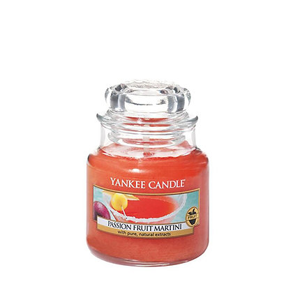 YANKEE CANDLE PASSIONFRUIT MARTINI SMALL JAR CANDLE