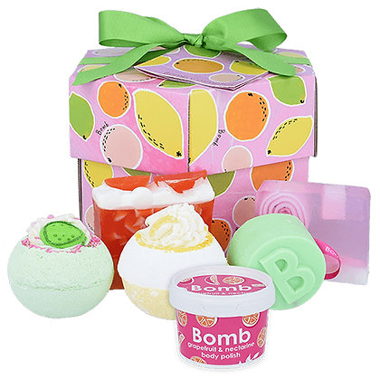 BOMB COSMETICS FRUIT BASKET HEXAGONAL GIFT BOX