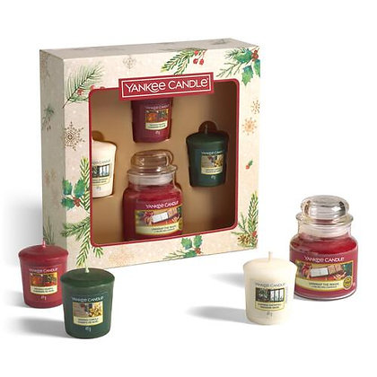 YANKEE CANDLE 1 SMALL JAR & 3 VOTIVE CANDLE GIFT SET