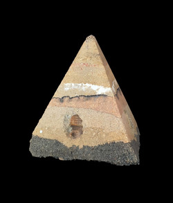 """Tepetl"", ( montaña), Tapial. 14X 14 X 14 cm., 2019."
