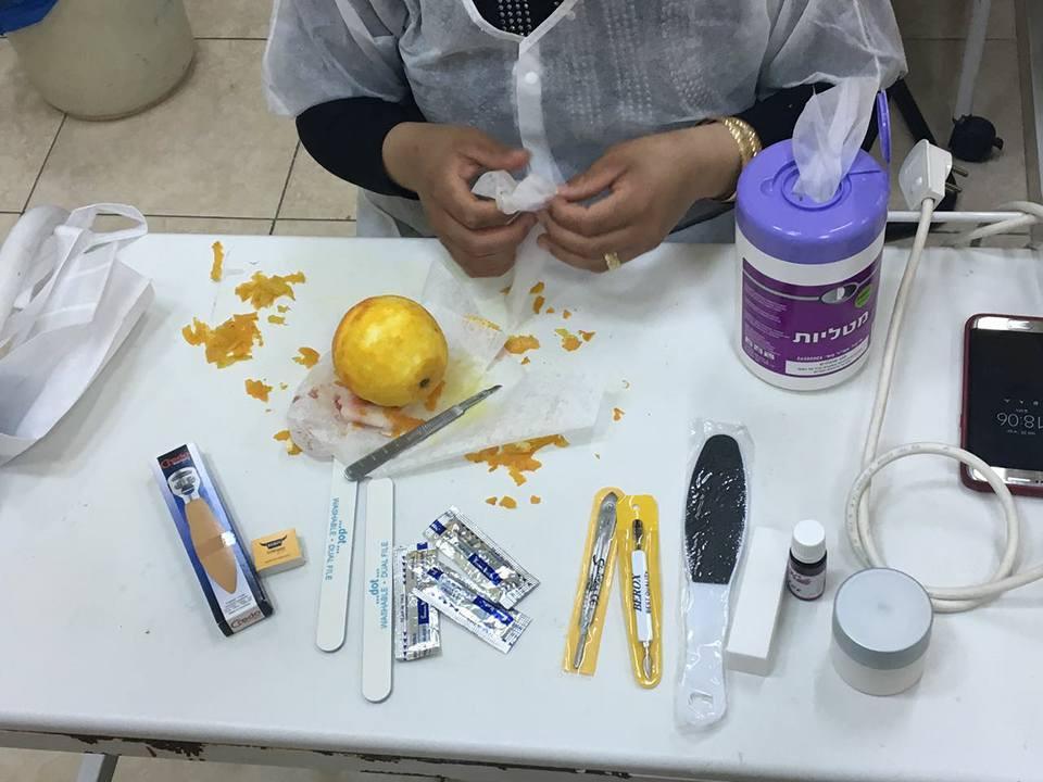 שיעור עבודה עם סקלפל על תפוז.jpg