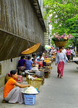 Pyin Oo Lwin Local Market.jpg