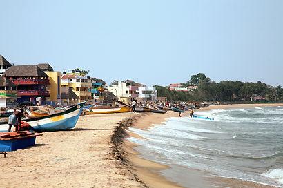 Beach at Mahabalipuram.jpeg