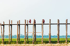 U Bein Teak Bridge.jpg