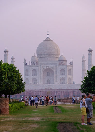 Taj Mahal image from opposite the river in the Mehtab Bagh
