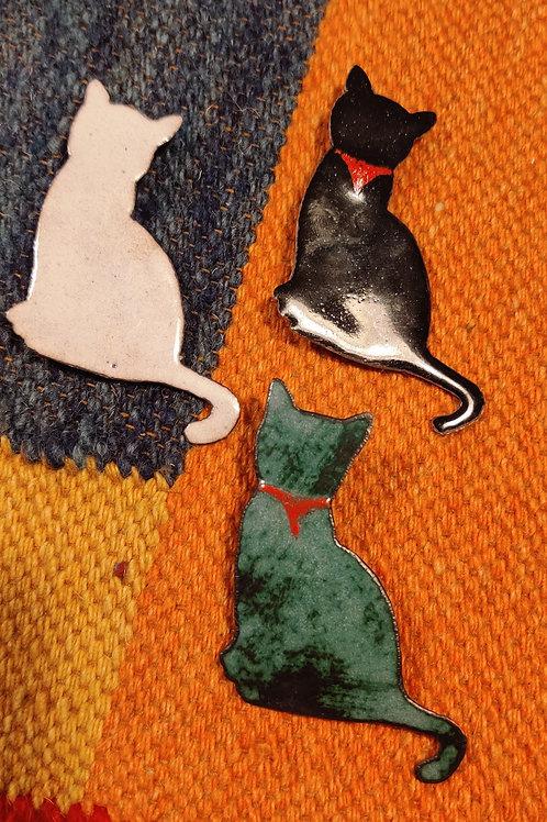 Kitty Enamel Brooch