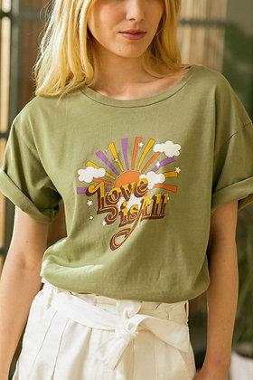Tee-shirt Love is All