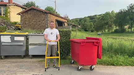 Trier conteneur poubelle. Vider conteneur poubelle. Remplir conteneur poubelle.
