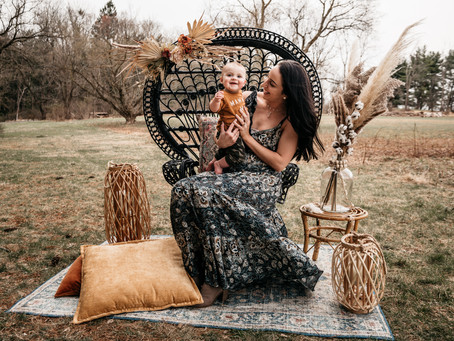 Outdoor Motherhood Sessions featuring styling by Norma Jean Vintage Machine 3/27/2021
