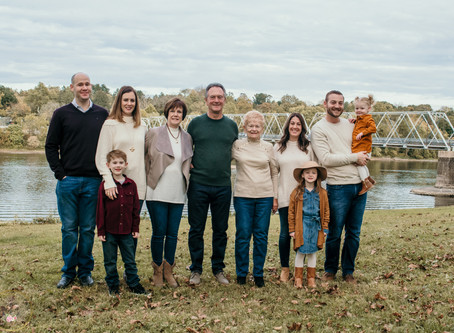 Extended Family Session at Washington Crossing