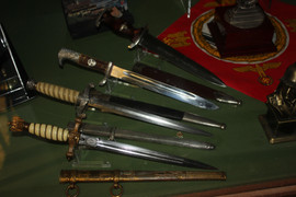 Edged weapons and daggers