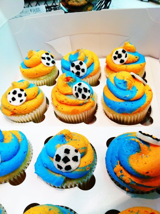 School Soccer team cupcakes