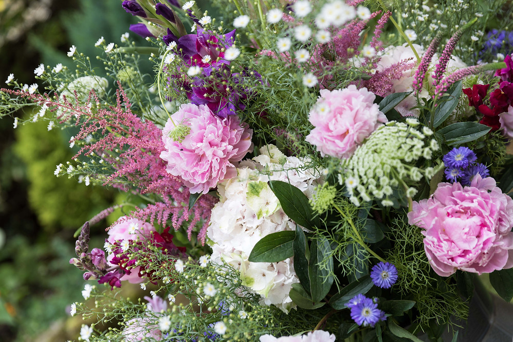 wedding photograph of stunning colourful flowers