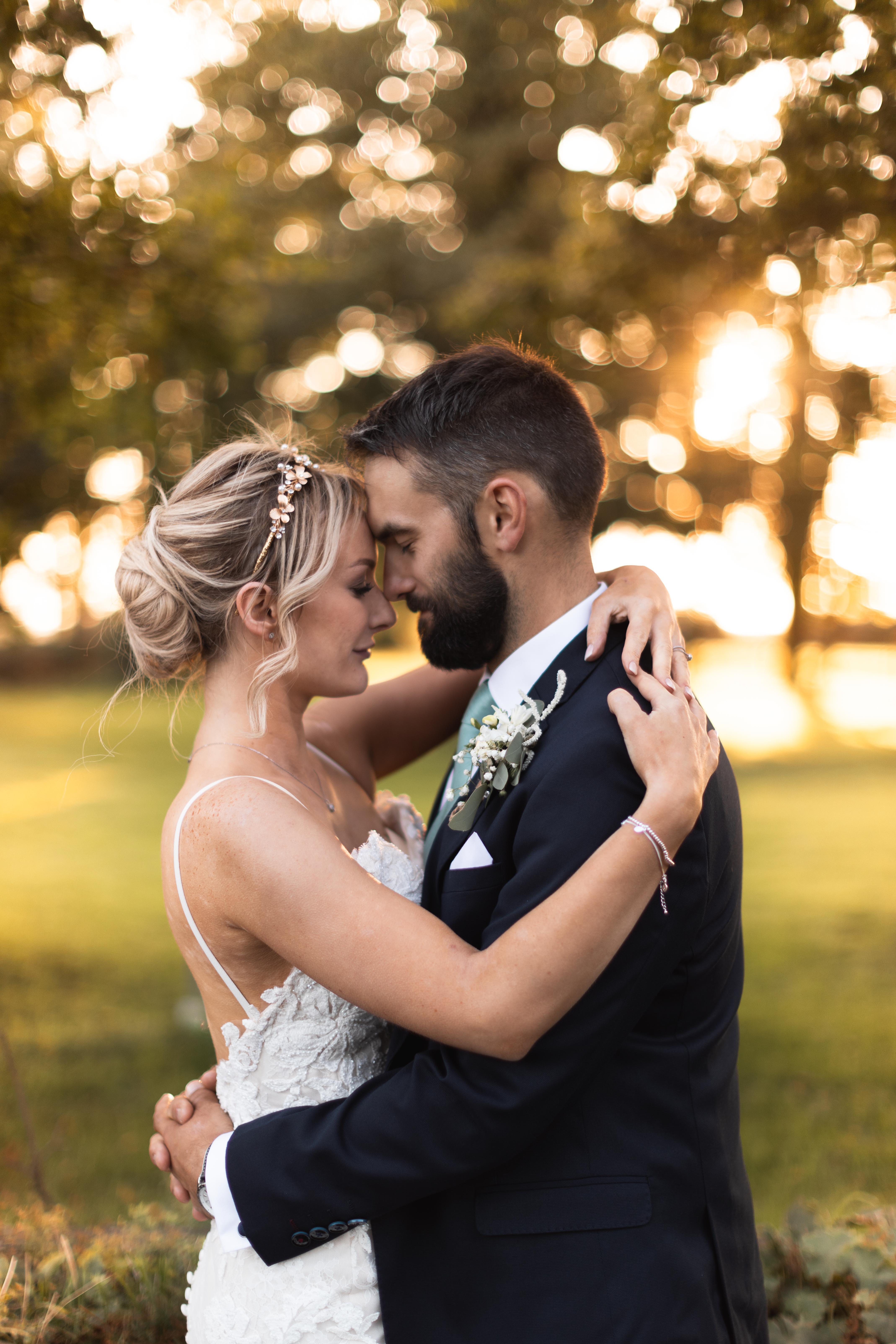 Wedding portrait in golden hour
