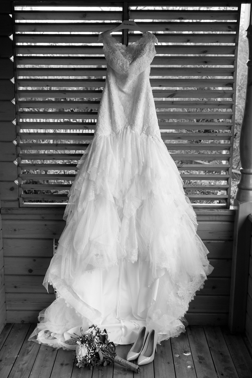 Stunning wedding photograph of the brides dress