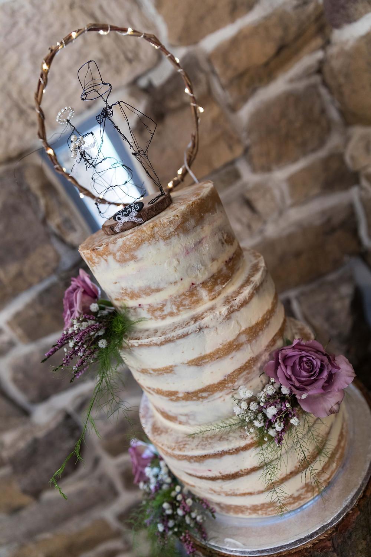Stunning wedding photographer: The wedding cake