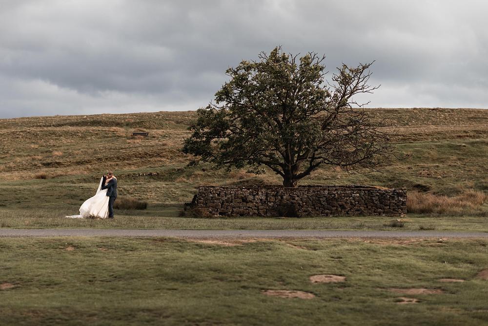 Wedding photographer captures Bride & Groom
