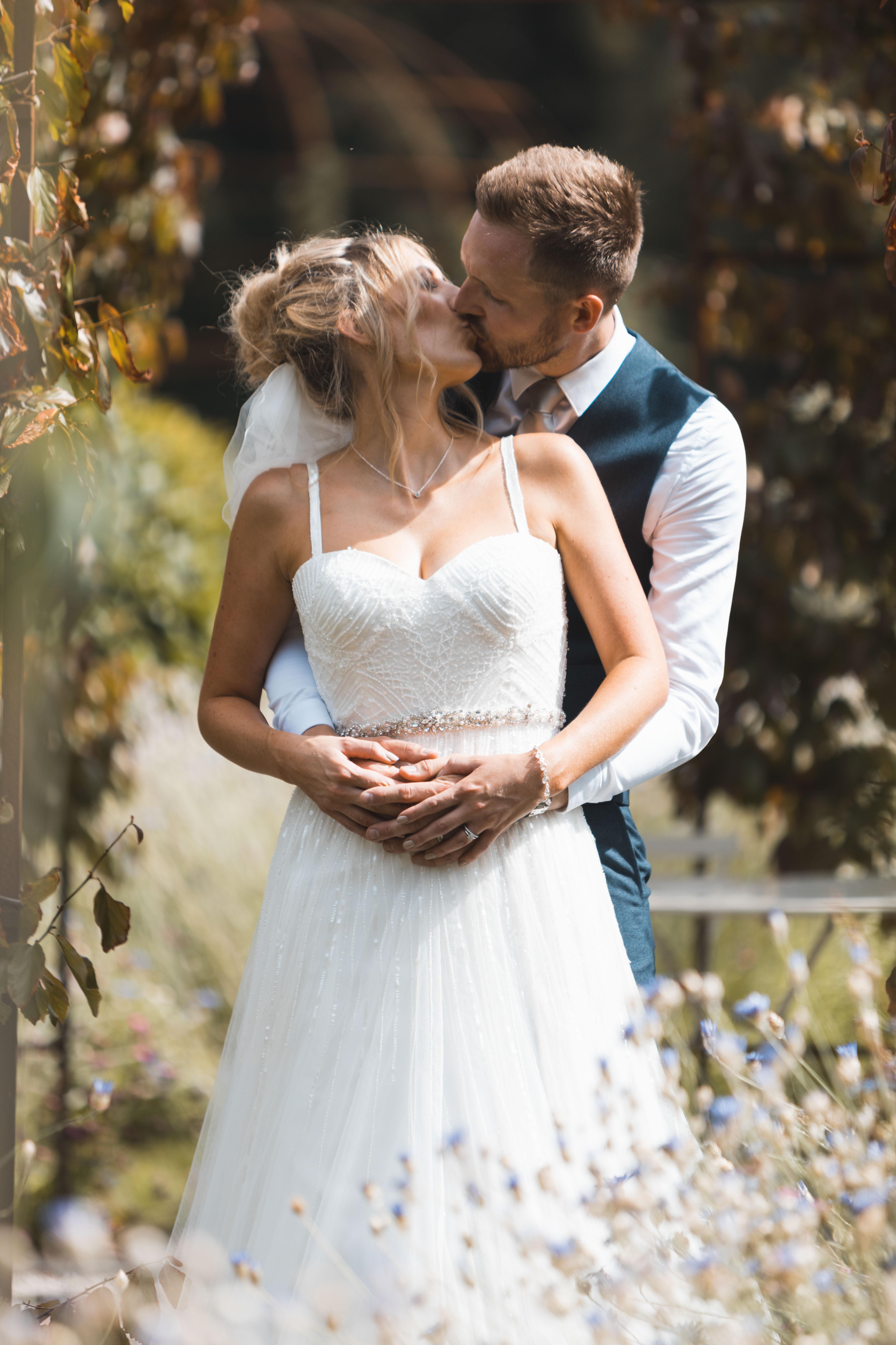 Bride & Groom Wedding Photographer