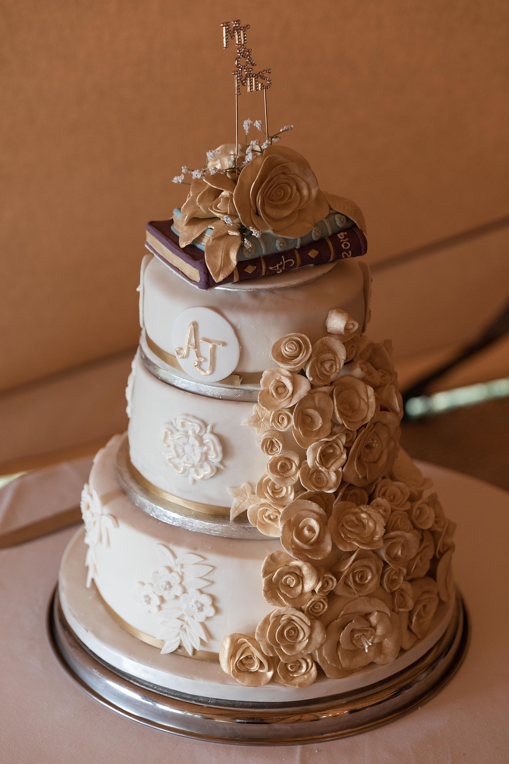 The wedding cake by Jack Cook photographer