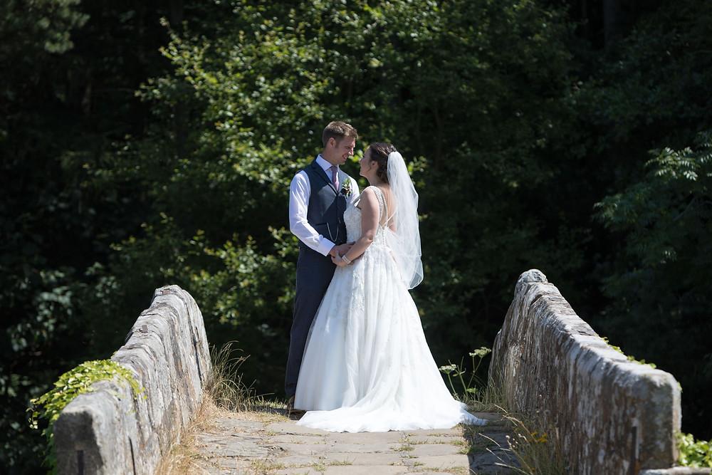 Beautiful wedding photography: The bride & Groom.