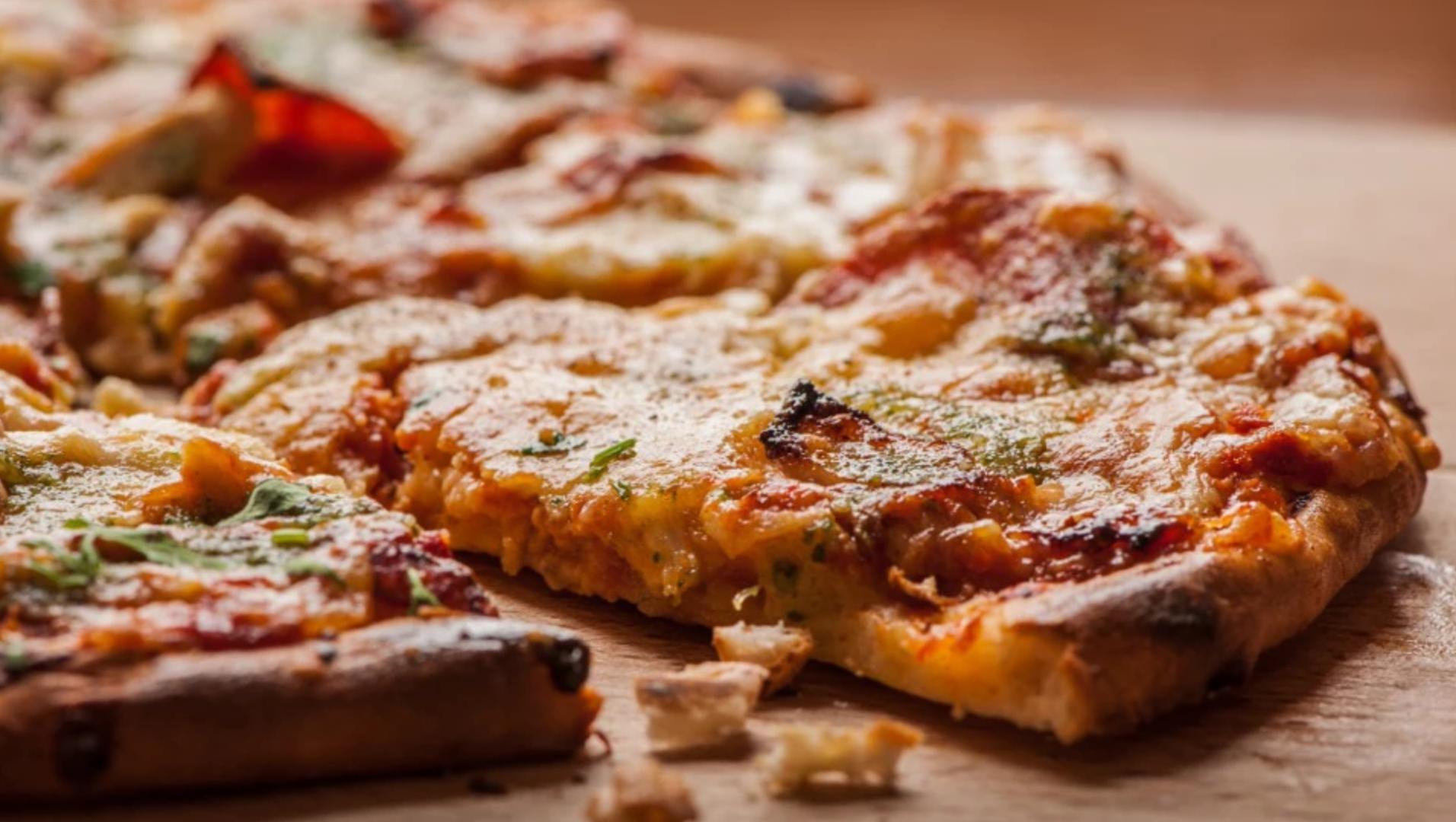 Armando's Kitchen Pizza