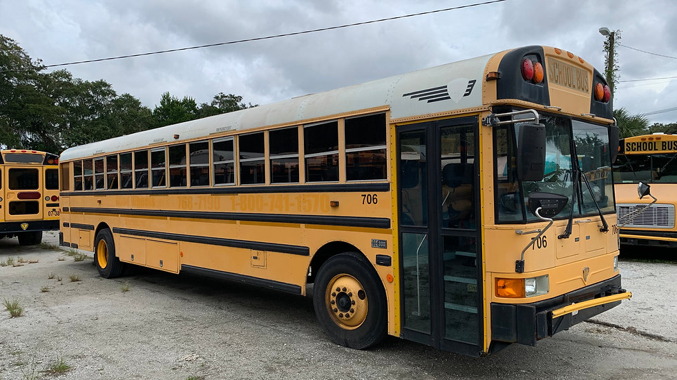 2006 inter 13 rows 2 large ac units runs good clean south bus