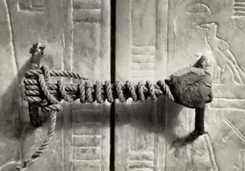 Le fotografie che hanno fatto la storia: Il sigillo di Tutankhamon