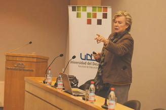 """Seminario   """"Liderazgo para la    Calidad Sustentable en Educación de Futuro"""" con  María Teresa Lepe"""