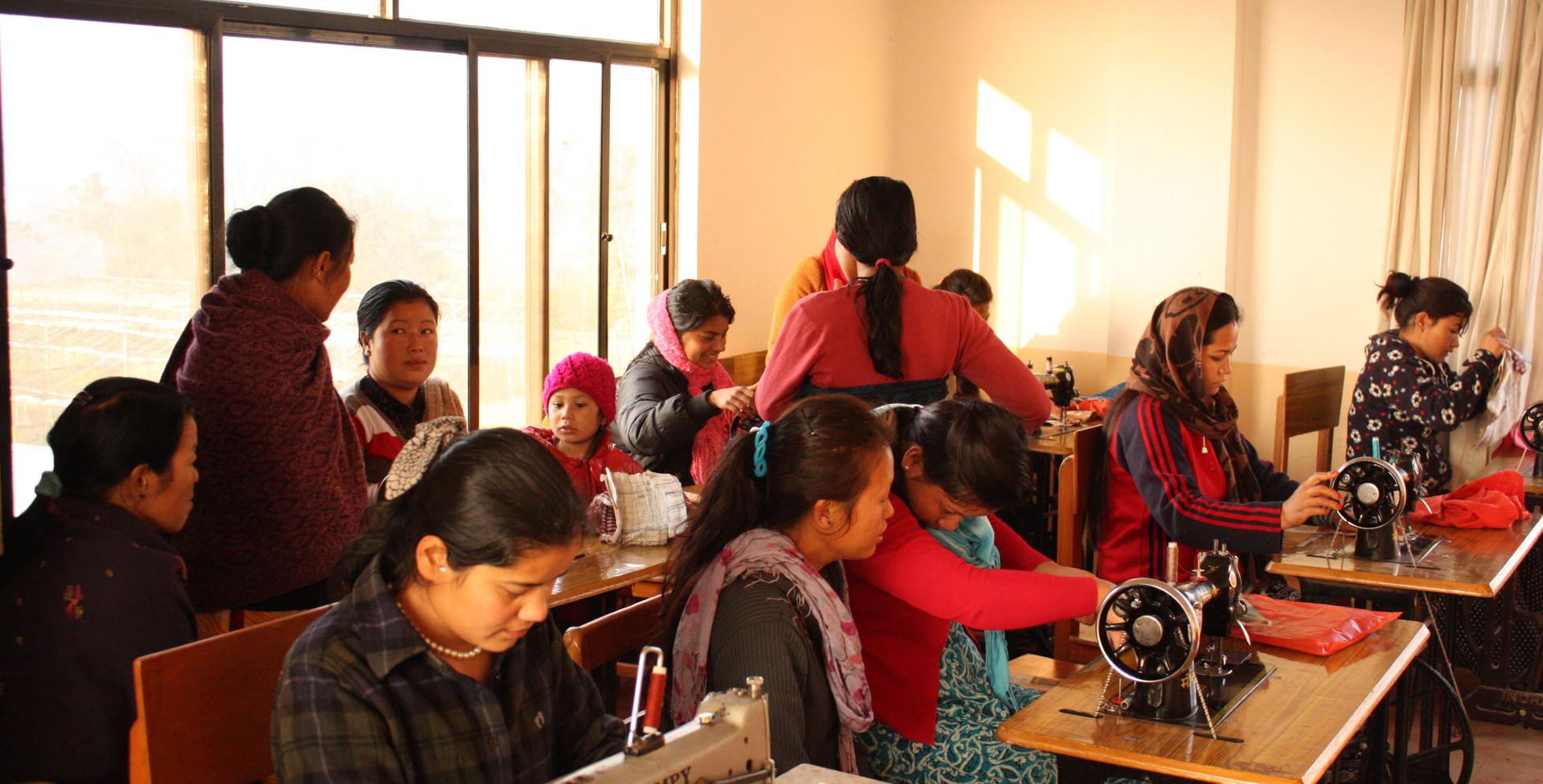 네팔 카투만두 새삶센터 여성직업교육 (1).JPG