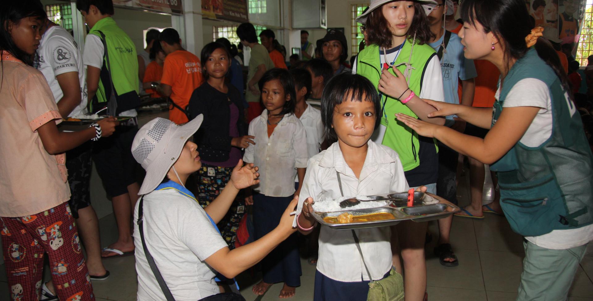 2012 캄보디아 전국청소년해외봉사 (개벽지기) (2).jpg