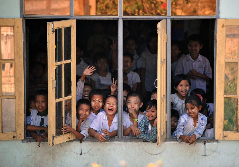 미얀마 아레요아 학교 학생들 (2).jpg