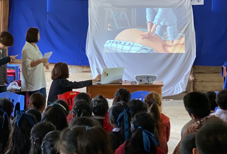 라오스 씨엥쾅주 보건기초 및 CPR 교육 (2).jpg