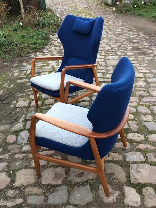paire de fauteuils contemporains