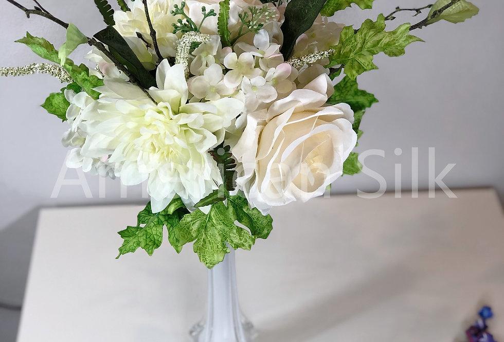 "15""Dahlia/Rose/Hydrangea Bouquet"