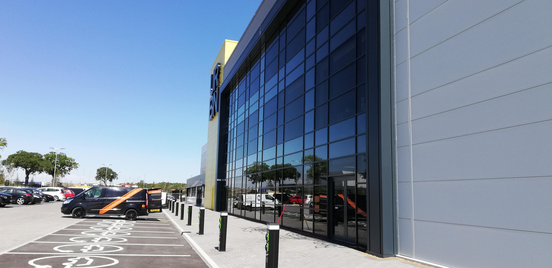 Commercial window cleaning Northamton