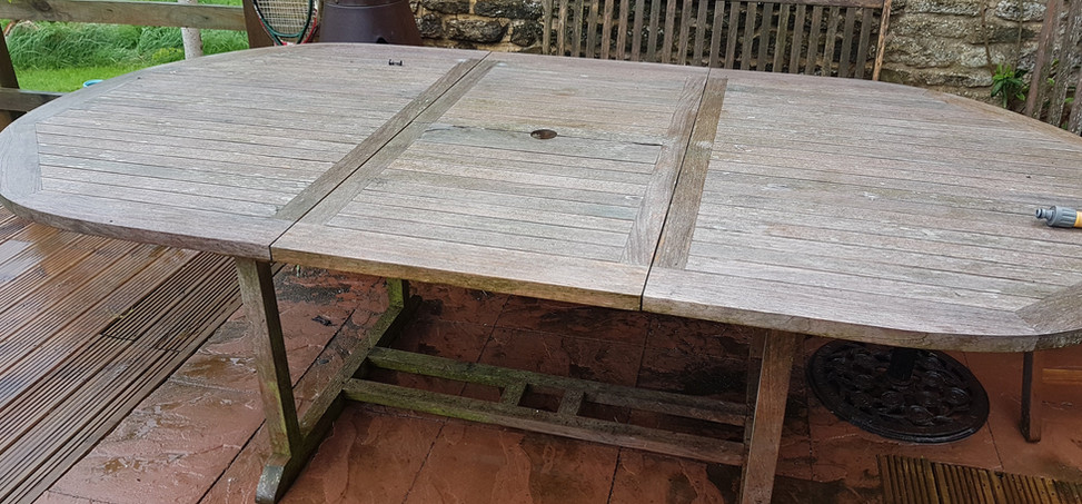 Garden table clean BEFORE