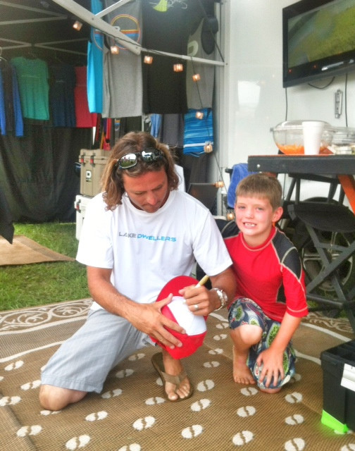 """Team Lake Dwellers Pro, """"Jumpin"""" John Burris Signs Autograph for Fan at the TN State Championship"""