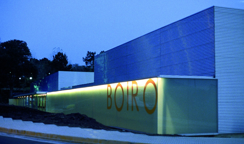 Piscina y Polideportivo en Boiro
