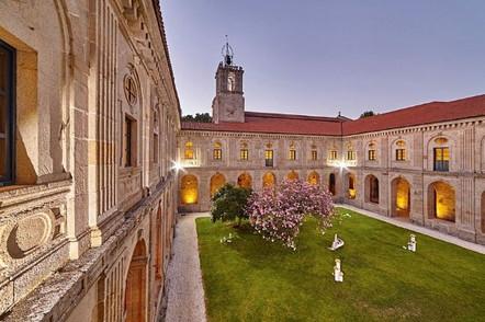 Monasterio de San Clodio en Leiro