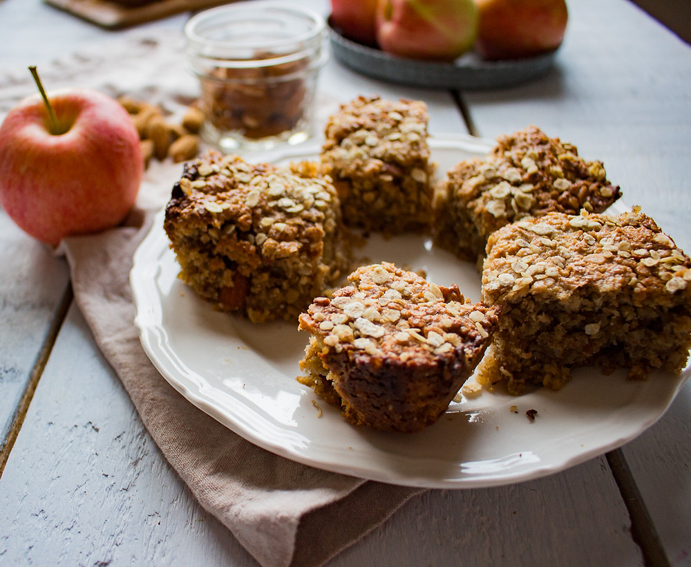 apple and almond oat cakes