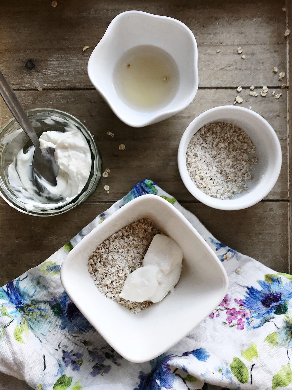 Oatmeal-Honey-Yogurt-Facemask
