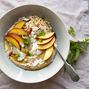 PEACH & GREEK YOGURT BREAKFAST BOWL