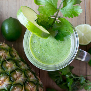 PINEAPPLE, CORIANDER & LIME GREEN SMOOTHIE